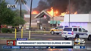 Inferno destroys Safeway grocery store in Phoenix - Video
