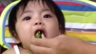 Baby gives hilarious reaction after tasting exotic lemon - Video