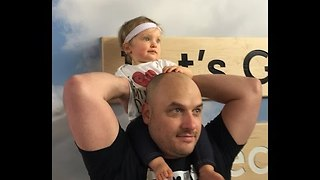 Daddy and Daughter Try Help Around the House - Video