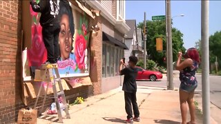 Milwaukee murals call for justice