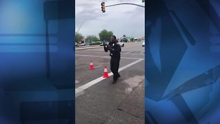 Viral: Tucson cop shows off his dance moves - Video