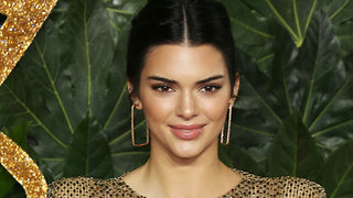 Kendall Jenner Shares Anonymous Romantic LOVE LETTER!