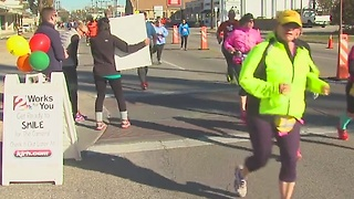 Thousands take part in Tulsa Route 66 Marathon