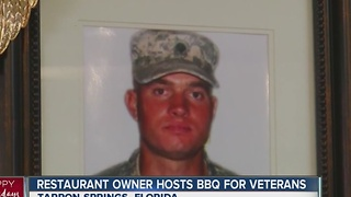 Father who lost son serves holiday meals to vets - Video