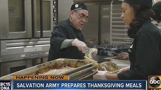 Nonprofit organizations feeding Phoenix homeless on Thanksgiving - Video