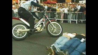 Sweet Motorbike Tricks - Video