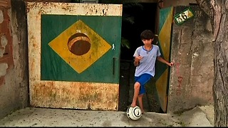 Amazing Footless Soccer Kid - Video