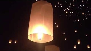 Festival of Fire Lanterns in Thailand Looks Beautiful - Video