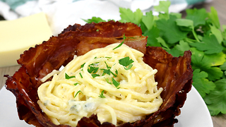 Cheese pasta in bacon bowl recipe - Video