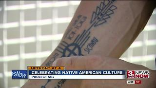 Woman photographs Native American tribes in Omaha - Video