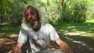 Man Walks Around America to Raise Awareness for Homelessness - Video