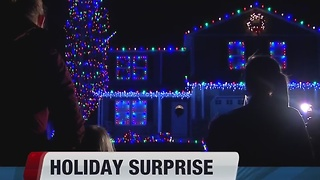Idaho military family surprised with Christmas decorations - Video