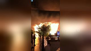 Eyewitness video of deadly Mumbai pub fire - Video