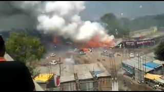 Massive fire breaks out at Diwali fireworks market - Video