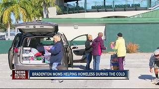 Bradenton moms give back to homeless during cold snap - Video