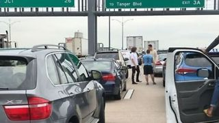 Traffic at Standstill as Multi-Vehicle Collision Shuts Down Washington Bridge - Video