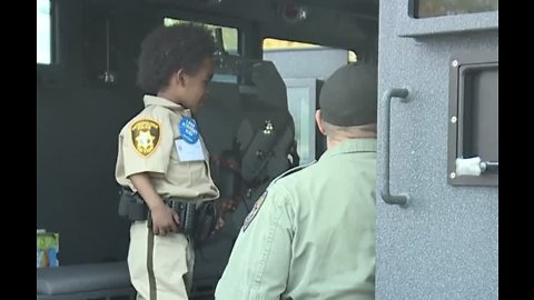4-year-old boy gets to be part of LVMPD for the day