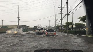 Heavy Rainfall Brings Severe Flooding to Streets of Maui - Video