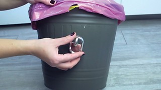Clever ideas to use plastic hooks - Video