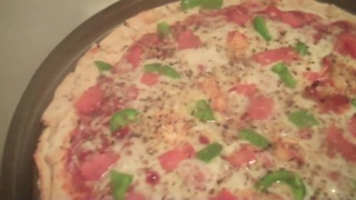 Henry's Kitchen - How to make vegan free gluten pizza - Video
