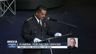 Milwaukee Police Chief Alfonso Morales delivers emotional message at fallen officer's funeral - Video