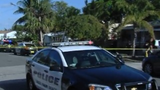 Teen struck by bullet in West Palm Beach - Video