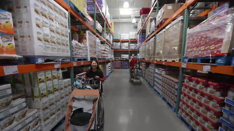 Citing GOP Tax Cuts, Costco Raises Wages for 130,000 Employees