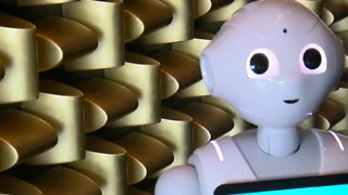 Robots threatening jobs on Las Vegas Strip? - Video