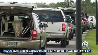 People scramble to sign up for disaster assistance from FEMA - Video