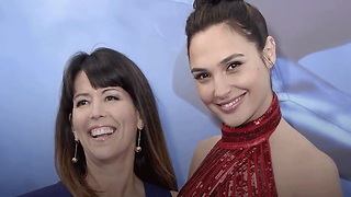 Patty Jenkins Becomes Highest-Paid Woman Director For 'Woman Woman' - Video