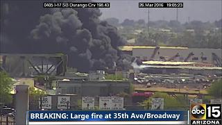 Large junkyard fire in Phoenix - Video