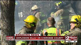 Man taken to hospital after fire at home on Lake Tenkiller, woman found dead - Video