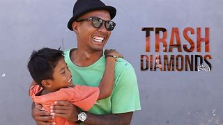 The man saving Bali's street kids from trash mountain - Video