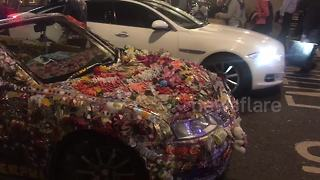 'Outrageously' decorated car spotted in London - Video