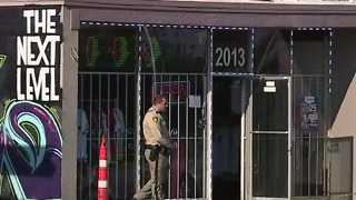 Cutsomer shot during attempted robbery - Video