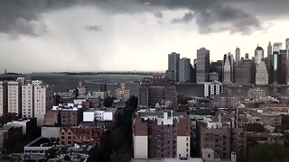 Timelapse Shows Storm Clouds Rolling Over Downtown Manhattan and Brooklyn Heights - Video
