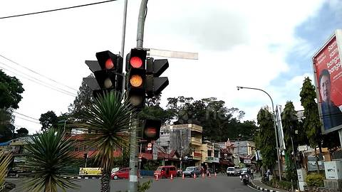 This traffic light could be the worst nightmare on your morning commute