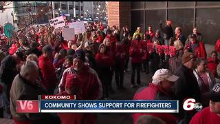 Contract dispute continues for Kokomo firefighters, hundreds gather outside city hall in support - Video