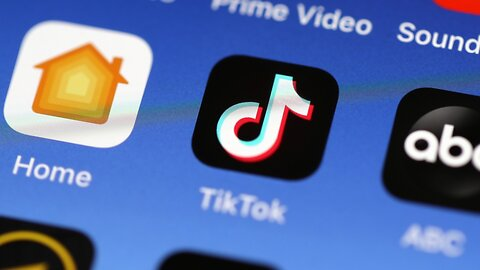 TSA Bans Employees From Using TikTok In Fear Of Security Risks