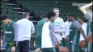 UW-Green Bay hires new athletic director - Video