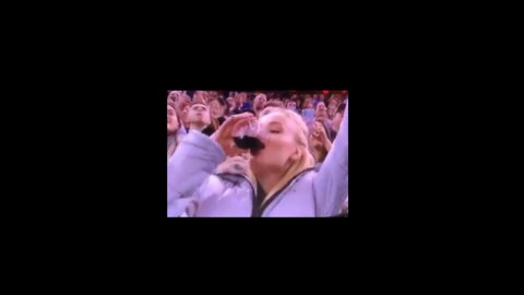 Game of Thrones Star Sophie Turner Chugs Red Wine During New York Rangers Game