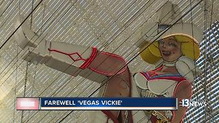 Vegas Vickie coming down - Video