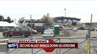 Crews successfully implode the Pontiac Silverdome - Video