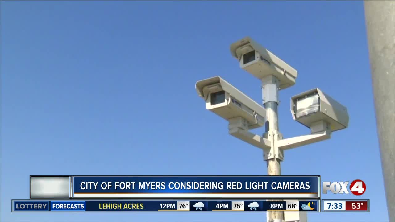 Fort Myers to consider using red light cameras