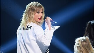 Taylor Swift Will Spend More Time With Family This Year