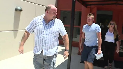 Raw video: Logan Hetherington leaves jail after being charged in girl's death