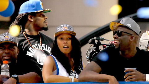 Marshawn Lynch Parties with Warriors in Vegas