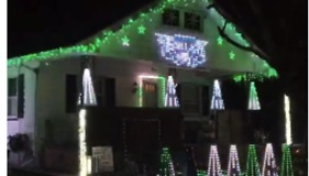 Philadelphia Eagles Superfan Turns Home Into 'Fly, Eagles Fly' Light Show - Video