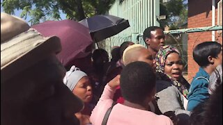 SOUTH AFRICA - Pretoria - Atteridgeville parents expressing their dissatisfaction with the online registration system (Video) (HY7)