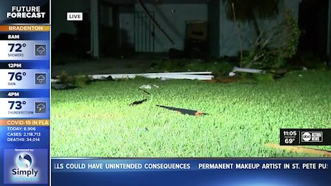 Winds damage homes in Manate County